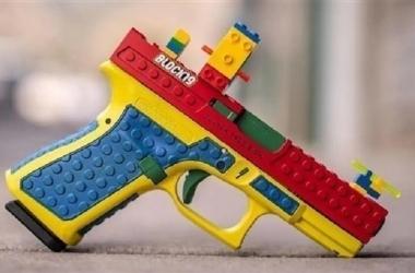 """شبيه بلعبة """"ليجو"""".. مسدس يثير جدلًا في الولايات المتحدة"""