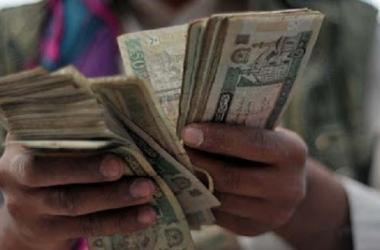 مع سيطرة طالبان .. الاقتصاد الأفغاني على شفا الانهيار
