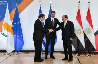أهم تصريحات الرئيس السيسي خلال لقائه  الرئيس القبرصي ورئيس وزراء اليونان