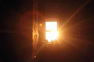 بدء ظاهرة تعامد الشمس على وجه رمسيس الثاني