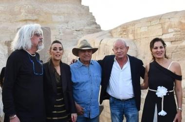 حواس يعلن تفاصيل الاكتشافات الأثرية الجديدة أمام 50 شخصية عالمية