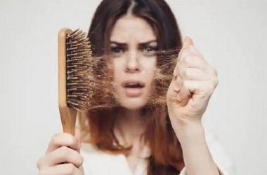 3 أطعمة تسبب تساقط الشعر