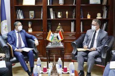 وزير السياحة وسفير الهند يبحثان سبل التعاون في المجال الأثري