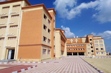 المدار يكشف تفاصيل اعتداء مدرسة على طالب بسكين في مدرسة بكفر الشيخ