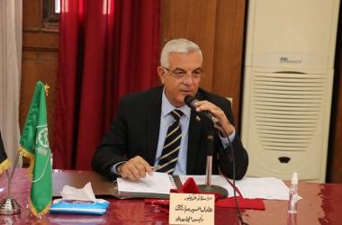 رئيس جامعة المنوفية يستعرض تصور المدينة الطبية